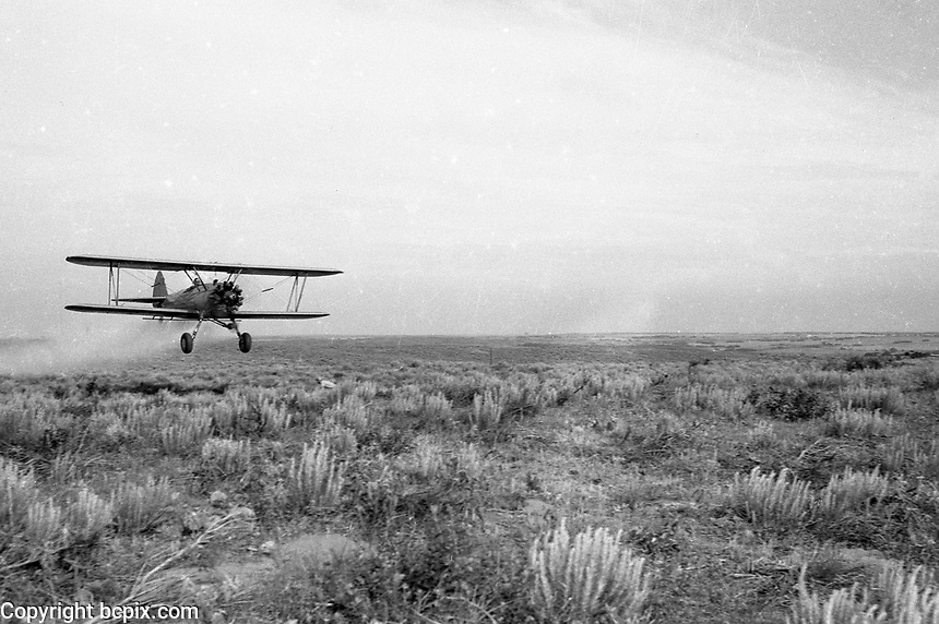 Vintage cropduster in action.  (Photo by bcpix.com)