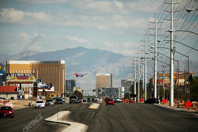 Planes landing at Las Vegas airport crossing over Las Vegas Boulevard, Las Vegas, Nevada, USA, April 9, 2008