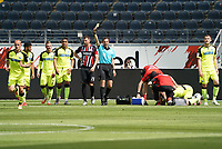 Gelb wegen Meckerns beim Gegentor für Sven Michel (SC Paderborn 07)<br /> - 27.06.2020: Fussball Bundesliga, Saison 19/20, Spieltag 34, Eintracht Frankfurt vs. SC Paderborn 07, emonline, emspor, Namen v.l.n.r. <br /> <br /> Foto: Marc Schueler/Sportpics.de/Pool <br /> Nur für journalistische Zwecke. Only for editorial use. (DFL/DFB REGULATIONS PROHIBIT ANY USE OF PHOTOGRAPHS as IMAGE SEQUENCES and/or QUASI-VIDEO)
