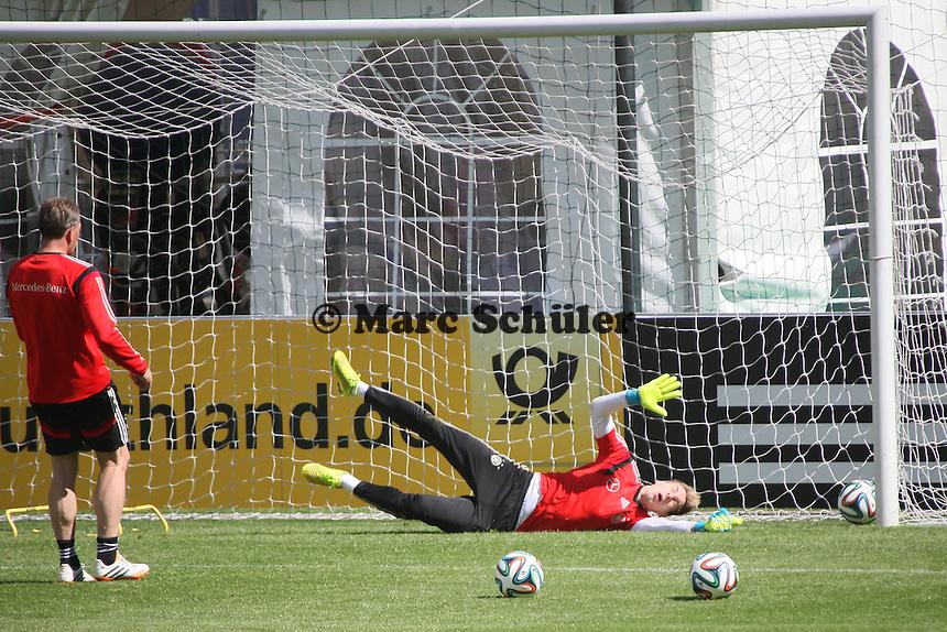 Ron Robert Zieler geschlagen - Abschlusstraining der Deutschen Nationalmannschaft gegen die U20 im Rahmen der WM-Vorbereitung in St. Martin