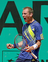 23-05-10, Tennis, France, Paris, Roland Garros, First round match, Thiemo de Bakker wins