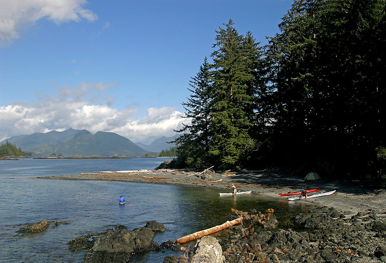 Sea kayak campsite, Vancouver Island, Cuttle Islands, Acous Peninsula, Checleset Bay Ecological Preserve, Checleset Bay, British Columbia, Canada.