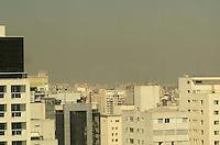 SAO PAULO, 02 DE JULHO DE 2012 - POLUICAO SP - Camada de poluicao e vista sobre a cidade na manha desta segunda feira na regiao central da capital. FOTO: ALEXANDRE MOREIRA - BRAZIL PHOTO PRESS