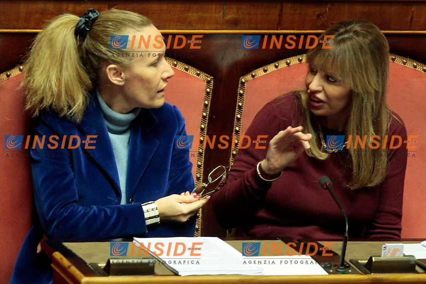 Manuela Repetti e Alessandra Mussolini<br /> Roma 27-11-2013 Senato. Voto di decadenza per il Senatore Berlusconi.<br /> Senate. Vote for decadency of Senator Berlusconi <br /> Photo Samantha Zucchi Insidefoto