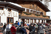 Italy, Veneto, Province Belluno, at Passo Fedaia: Rifugio Capanna Bill, mountain Inn, serving delicious cakes and cappuccino | Italien, Venetien, Provinz Belluno, am Fedaiapass: Rifugio Capanna Bill, Jausenstation mit hervorragendem Kuchen und Cappuccino