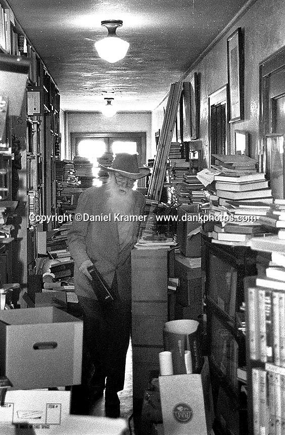 Mevin McCosh, bookseller in the Minneapolis suburb of Excelsior, Minnesota. (1990)
