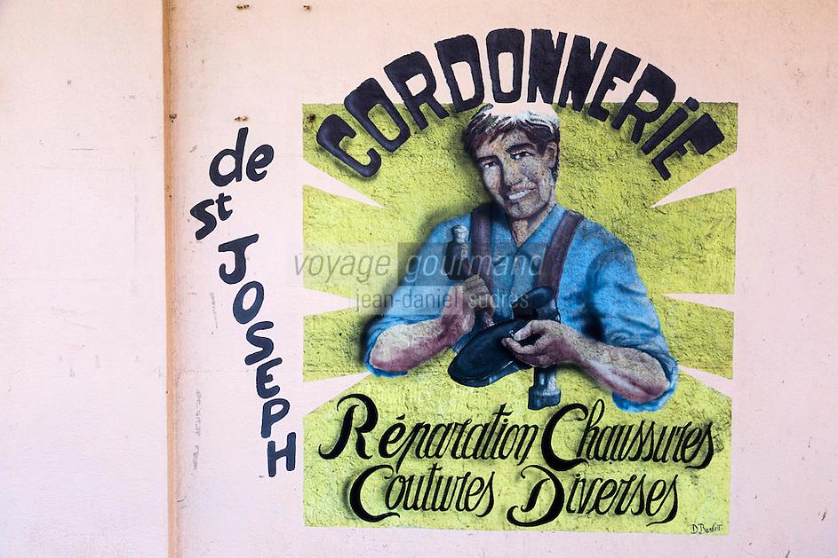 France, île de la Réunion, Saint Joseph, enseigne cordonnier // France, Ile de la Reunion (French overseas department), Saint Joseph, Shoemaker teach