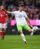 Fussball  1. Bundesliga  Saison 2016/2017  14. Spieltag  FC Bayern Muenchen - VfL Wolfsburg    10.12.2016 Robin Knoche (VfL Wolfsburg)