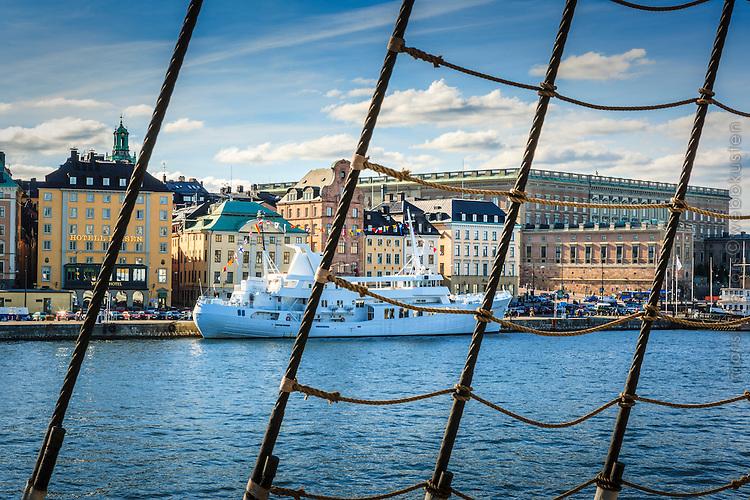 Vy vid Stockholms ström med Stockholms slott och Gamla stan i  Stockholm.