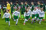 13.01.2018, Weser Stadion, Bremen, GER, 1.FBL, Werder Bremen vs TSG 1899 Hoffenheim, im Bild<br /> <br /> Feature Einlaufkids DEWOBA<br /> <br /> Foto &copy; nordphoto / Kokenge