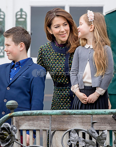 Crown Princess Mary, Prince Christian and Princess of Denmark attend the 77th birthday celebrations of Queen Margrethe at Marselisborg palace in Aarhus, Denmark, 16 April 2017. Photo: Patrick van Katwijk Foto: Patrick van Katwijk/Dutch Photo Press/dpa /MediaPunch ***FOR USA ONLY***