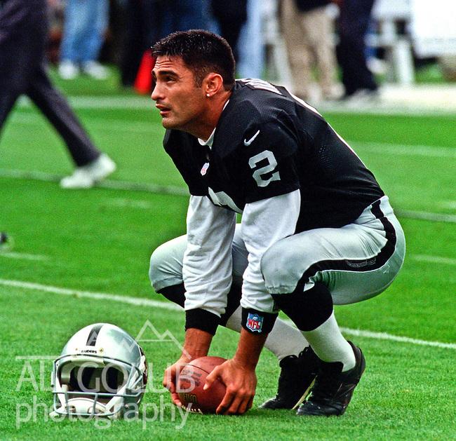 Oakland Raiders vs. Seattle Seahawks at Oakland Alameda County Coliseum Sunday, November 15, 1998.  Raiders beat Seahawks 20-17.  Oakland Raiders punter Leo Araguz (2).