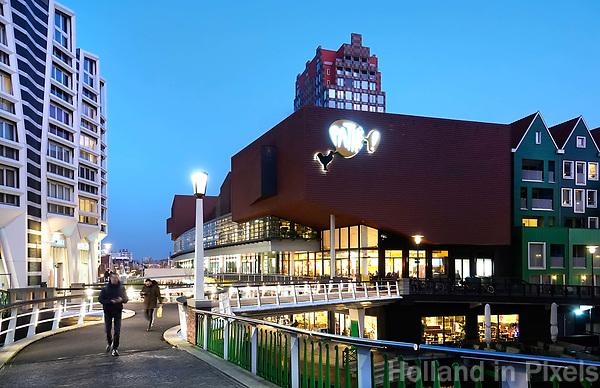 Nederland Zaandam -  Januari 2018.  Het vernieuwde centrum van Zaandam. Stationsgebied.  Foto Berlinda van Dam / Hollandse Hoogte