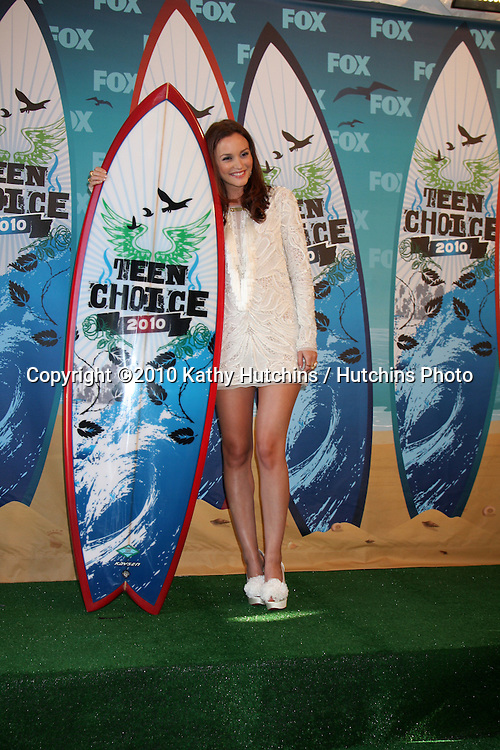 LOS ANGELES - AUGUST 8:  Leighton Meester in the Press Room  at the 2010 Teen Choice Awards at Gibson Ampitheater at Universal  on August 8, 2010 in Los Angeles, CA