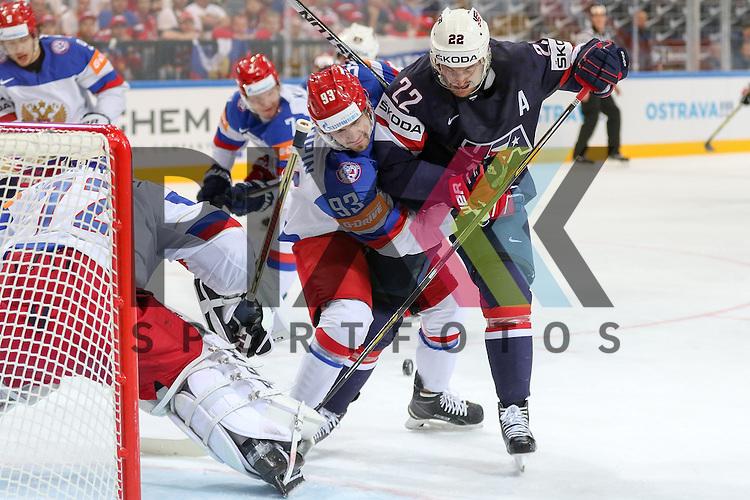 im Spiel IIHF WC15 Russia vs. USA.<br /> <br /> Foto &copy; P-I-X.org *** Foto ist honorarpflichtig! *** Auf Anfrage in hoeherer Qualitaet/Aufloesung. Belegexemplar erbeten. Veroeffentlichung ausschliesslich fuer journalistisch-publizistische Zwecke. For editorial use only.
