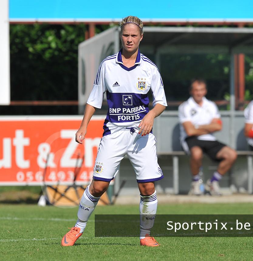 RSC Anderlecht Dames : Stephanie Van Gils.foto DAVID CATRY / Vrouwenteam.be