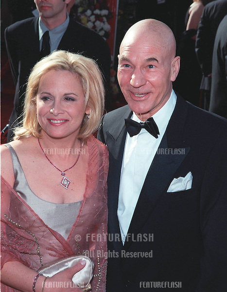 "21Mar99""  Actor PATRICK STEWART & fiancée at the 71st Academy Awards.                  .© Paul Smith / Featureflash"