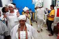 Cerimônia de consagração de mãe de santo no terreiro Ilê Asé , Guinso-Erê,  do tradicional Candomblé Nagô, em Belém (PA). Inclui rituais milenares de dança, cânticos e orações na língua iorubá, indumentárias e obrigações típicas da cultura africana. Como o sacrifício de animais em oferenda aos orixás.<br /> <br /> Enquanto a futura mãe de santo incorpora os orixás, alimentando-se das oferendas, os médiuns do terreiro dançam e cantam para cada uma das entidades presentes. O pai de santo Guinso-Erê rege a cerimônia.