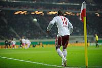 DFB Pokal 2011/12 2. Hauptrunde RasenBallsport Leipzig - FC Augsburg Rockenbach DA SILVA (RB) beim Eckball.