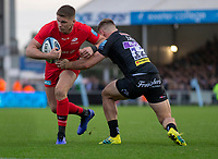 Saracens' Owen Farrell evades the tackle of Exeter Chiefs' Sam Hill<br /> <br /> Photographer Bob Bradford/CameraSport<br /> <br /> Gallagher Premiership Round 10 - Exeter Chiefs v Saracens - Saturday 22nd December 2018 - Sandy Park - Exeter<br /> <br /> World Copyright &copy; 2018 CameraSport. All rights reserved. 43 Linden Ave. Countesthorpe. Leicester. England. LE8 5PG - Tel: +44 (0) 116 277 4147 - admin@camerasport.com - www.camerasport.com