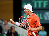 21-9-08, Netherlands, Apeldoorn, Tennis, Daviscup NL-Zuid Korea, :  Thiemo de Bakker  screams it out in his match against WoongSun Jun