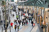 Nederland Rotterdam  2017. Winkelstraat met winkelende mensen in Rotterdam. De Koopgoot. Foto Berlinda van Dam / Hollandse hoogte