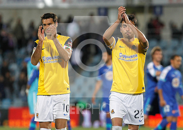 Real Sociedad's Xabi Prieto (l) and Carlos Vela during La Liga match.March 17,2012. (ALTERPHOTOS/Acero)