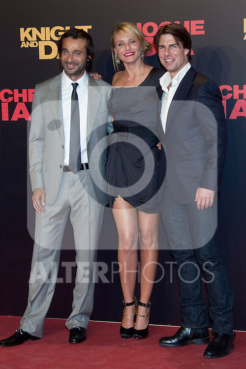 SEVILLE, Spain (16/06/2010).- Jordi Moya, Cameron Diaz and Tom Cruise pose on the red carpet prior to the international film premiere of their new film 'Knight and Day' by US director James Mangold in Sevilla ..Photo: Cesar Cebolla / ALFAQUI