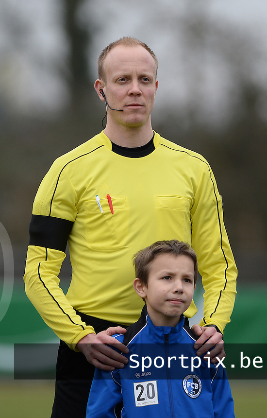 20160324 - Buderich , GERMANY : assistant referee Christian Gittelmann pictured during the soccer match between the under 17 teams of The Netherlands and Bulgaria , on the first matchday in group 4 of the UEFA Under17 Elite rounds in Buderich , Germany. Thursday 24th March 2016 . PHOTO DAVID CATRY
