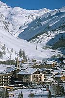 Europe/France/73/Savoie/Val d Isere: la station vue depuis les Carats