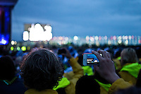 Scouts are collecting memories by taking pictures during the opening ceremony. Photo: Fredrik Sahlström/Scouterna
