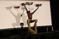 Artisten-Duo Adesa aus Ghana (bekannt aus Das Supertaltent) sorgt für Unterhaltung