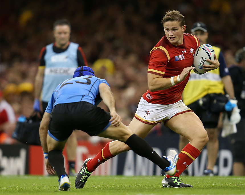 Wales' Hallam Amos in action during todays match<br /> <br /> Photographer Ian Cook/CameraSport<br /> <br /> Rugby Union - 2015 Rugby World Cup - Wales v Uruguay - Sunday 20th September 2015 - Millennium Stadium - Cardiff<br /> <br /> &copy; CameraSport - 43 Linden Ave. Countesthorpe. Leicester. England. LE8 5PG - Tel: +44 (0) 116 277 4147 - admin@camerasport.com - www.camerasport.com