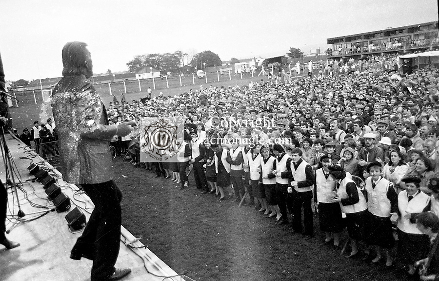 James Last performing in concert in the Austin Stack GAA Park in tralee during the Rose of tralee 1986.<br /> Photo: Don MacMonagle <br /> e: info@macmonagle.com