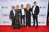 Tahj Mowry &amp; Chelsea Kane &amp; Jean-Luc Bilodeau &amp; Melissa Peterman &amp; Derek Theler at the 2017 People's Choice Awards at The Microsoft Theatre, L.A. Live, Los Angeles, USA 18th January  2017<br /> Picture: Paul Smith/Featureflash/SilverHub 0208 004 5359 sales@silverhubmedia.com