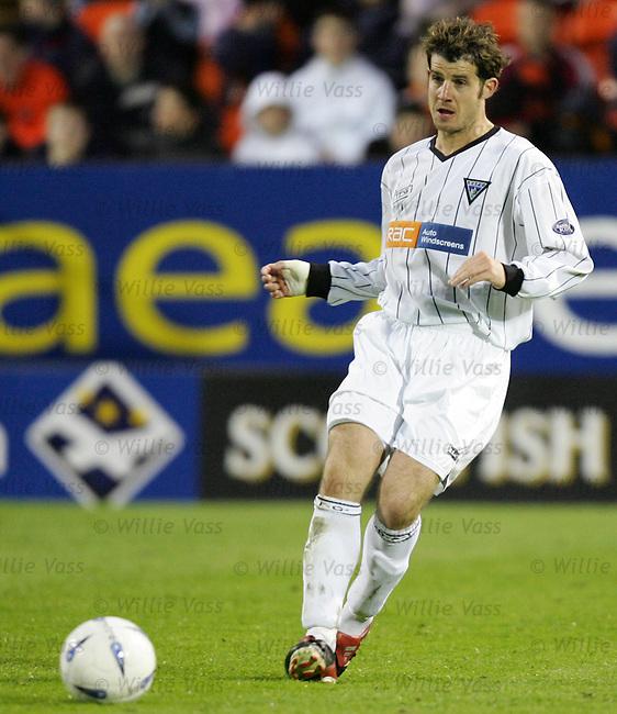 Stevie Crawford, Dunfermline.stock season 2003-2004.pic willie vass