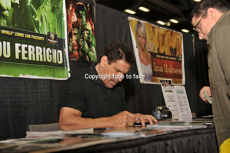 AUSTIN, TX - NOVEMBER 22: Lou Ferrigno at day 1 of Wizard World Austin Comic Con 2013 at the Austin Convention Center in Austin, Texas on November 22, 2013. <br /> Credit: MediaPunch/face to face<br /> - Germany, Austria, Switzerland, Eastern Europe, Australia, UK, USA, Taiwan, Singapore, China, Malaysia, Thailand, Sweden, Estonia, Latvia and Lithuania rights only -