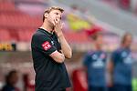 Florian Kohfeldt (Trainer SV Werder Bremen), enttäuscht / enttaeuscht / traurig<br /> <br /> <br /> Sport: nphgm001: Fussball: 1. Bundesliga: Saison 19/20: 33. Spieltag: 1. FSV Mainz 05 vs SV Werder Bremen 20.06.2020<br /> <br /> Foto: gumzmedia/nordphoto/POOL <br /> <br /> DFL regulations prohibit any use of photographs as image sequences and/or quasi-video.<br /> EDITORIAL USE ONLY<br /> National and international News-Agencies OUT.