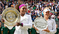 Serena Williams & Agnieszka Radwanska..Tennis - Grand Slam - The Championships Wimbledon - AELTC - The All England Club - London - Thu July 5h 2012. .© AMN Images, 30, Cleveland Street, London, W1T 4JD.Tel - +44 20 7907 6387.mfrey@advantagemedianet.com.www.amnimages.photoshelter.com.www.advantagemedianet.com.www.tennishead.net