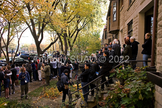 Chicago, Illinois.November 4, 2008.USA..On election day the press lines up to watch Senator and Presidential hopeful Barack Obama come out from voting in a school in Hyde Park.