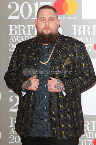 Rag 'n' Bone Man at The BRIT Awards 2017 at The O2, Peninsula Square, London on February 22nd 2017<br /> CAP/ROS<br /> &copy; Steve Ross/Capital Pictures /MediaPunch ***NORTH AND SOUTH AMERICAS ONLY***