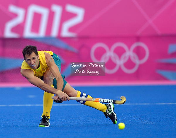 Australia's Mark Knowles. Hockey GBR Vs AUS - PHOTO: Mandatory by-line: Garry Bowden/SIP/Pinnacle - Photo Agency UK Tel: +44(0)1363 881025 - Mobile:0797 1270 681 - VAT Reg No: 768 6958 48 - 05/08/2012 - 2012 Olympics - Riverside Arena, Olympic Park, London, England