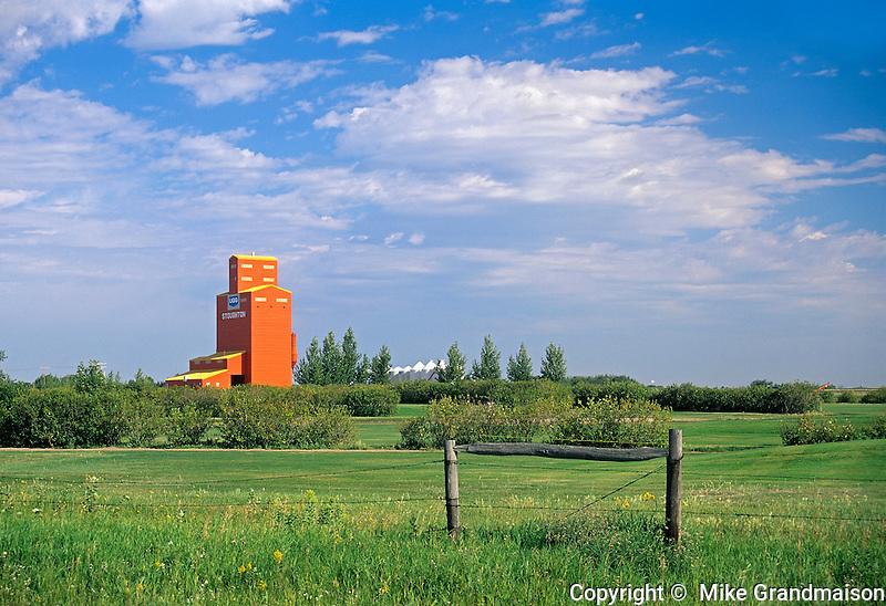 UGG grain elevator in rural landscape<br /> Stoughton<br /> Saskatchewan<br /> Canada