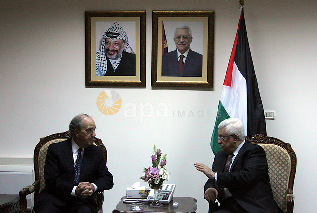 U.S. Middle East envoy George Mitchell meets with Palestinian President Mahmoud Abbas in the West Bank city of Ramallah July 27, 2009. Photo by Issam Rimawi