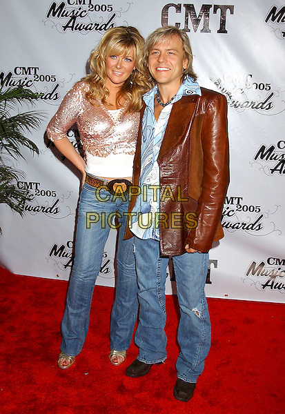 JAMIE O'NEIL & HUSBAND RODNEY.2005 CMT Music Awards held at the Gaylord Entertainment Center, Nashville, Tennessee, USA, .11 April 2005..full length married wife oneil o'neal.Ref: ADM.www.capitalpictures.com.sales@capitalpictures.com.©Laura Farr/AdMedia/Capital Pictures.