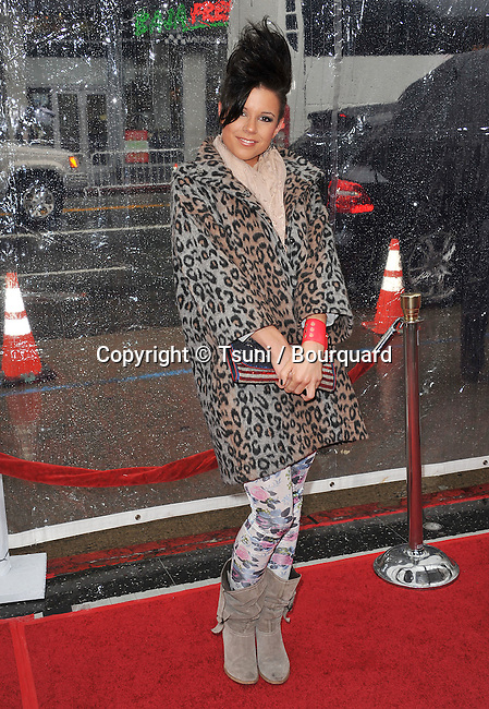 Manou German - Disney Singer- Gulliver s Travels premiere at the Chinese Theatre In Los Angeles.