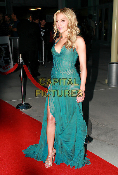 "BRITTANY MURPHY.""The Groomsmen"" World Premiere held at the Arclight Cinemas, Hollywood, California, USA,.12 July 2006..full length green halterneck dress slit split leg.Ref: ADM/CH.www.capitalpictures.com.sales@capitalpictures.com.©Charles Harris/AdMedia/Capital Pictures."