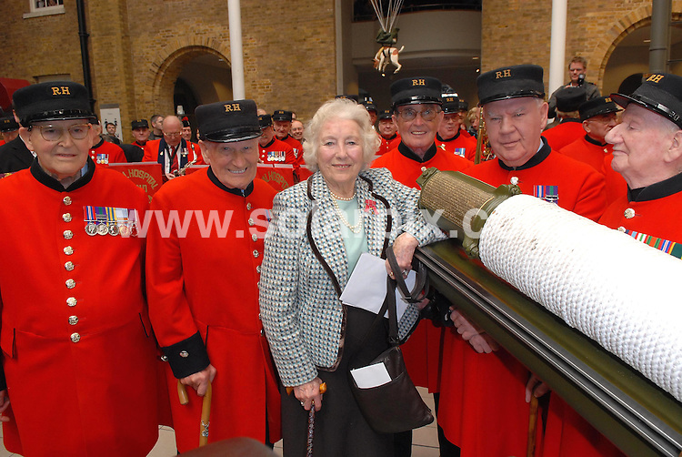 **ALL ROUND PICTURES FROM SOLARPIX.COM**.**WORLDWIDE SYNDICATION RIGHTS**.Dame Vera Lynn celebrated her 90th birthday on tuesday at the Imperial War Museum along with Baroness Thatcher, Kathrin Jenkins and the boys from the Chelsea Pensioners.This pic:DAME VERA LYNN AND CHELSEA PENSIONERS.JOB REF:3544-MSR    DATE:20_03_07 .**MUST CREDIT SOLARPIX.COM OR DOUBLE FEE WILL BE CHARGED* *UNDER NO CIRCUMSTANCES IS THIS IMAGE TO BE REPRODUCED FOR ANY ONLINE EDITION WITHOUT PRIOR PERMISSION*