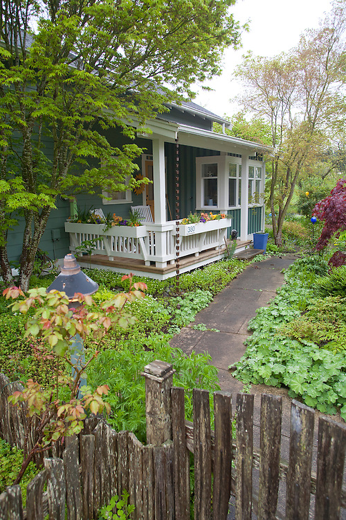 Third Street Cottages, Langley, Whidbey Island, Cottage architecture, the Cottage Company, Ross Chapin, Architect, green-built houses, Washington State, Pacific Northwest, United States,