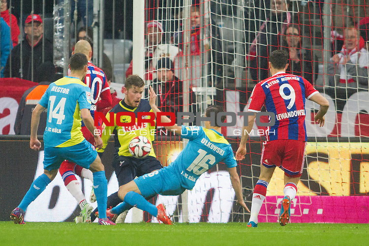 27.02.2015, Allianz Arena, Muenchen, GER, 1.FBL,  FC Bayern Muenchen vs. 1. FC Koeln, im Bild Tumult vor dem K&ouml;lner Tor mit Jonas Hector (Koeln #14) Arjen Robben (FCB #10) Timo Horn (Koeln #1) Pawel Olkowski (Koeln #16) und Robert Lewandowski (FCB #9) <br /> <br />  Foto &copy; nordphoto / Straubmeier